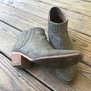 Joie Leather Snakeskin Ankle Boot Size 39 (US 9)